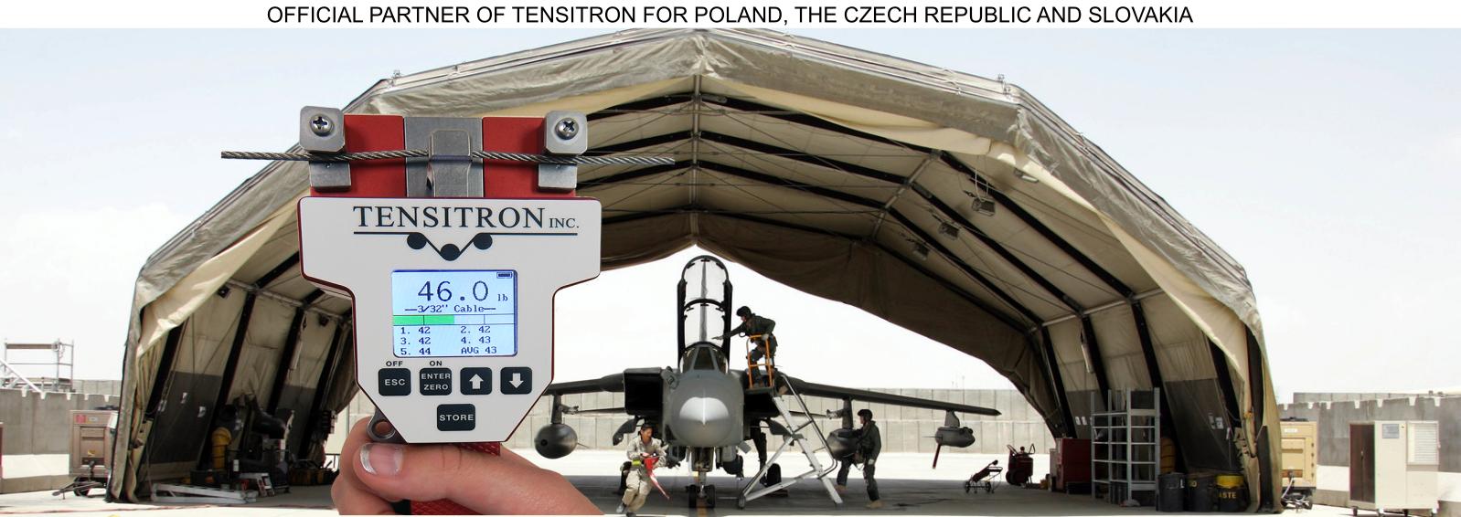 Zdjęcie przedstawia zastosowanie mierników firmy TENSITRON w lotnictwie
